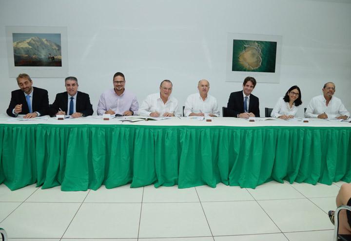 Ministerio Ambiente firma acuerdo de Co-manejo del Santuario Marino Arrecifes del Sureste